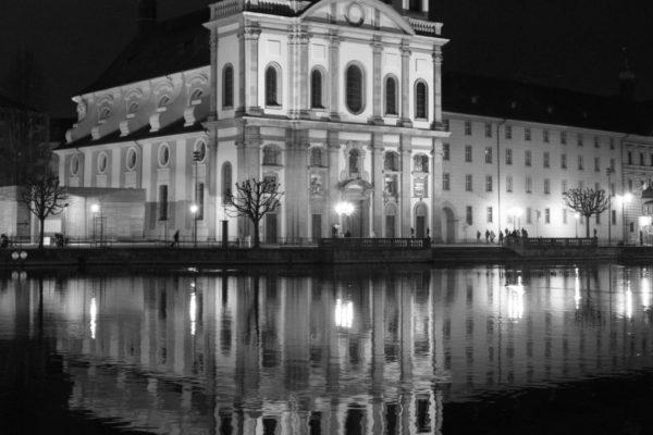 Suisse Lucerne Eglise-des-Jésuites de nuit