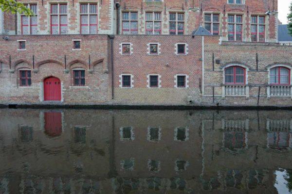 Belgique Bruges reflet dans le canal