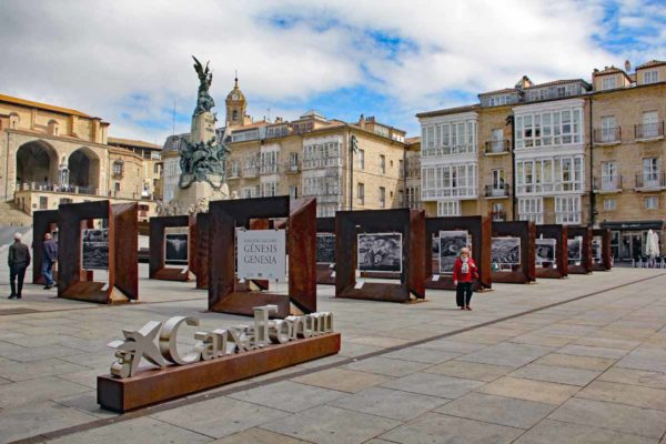 Espagne Vittoria-Gasteiz plaza de la Virgen Blanca 0236