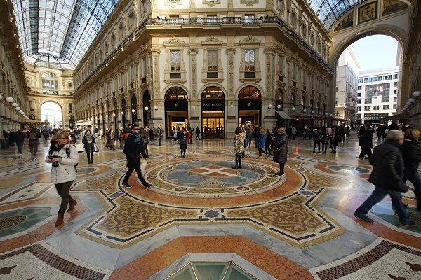 Italie Milan galeira Vittori-Emanuele II verticale